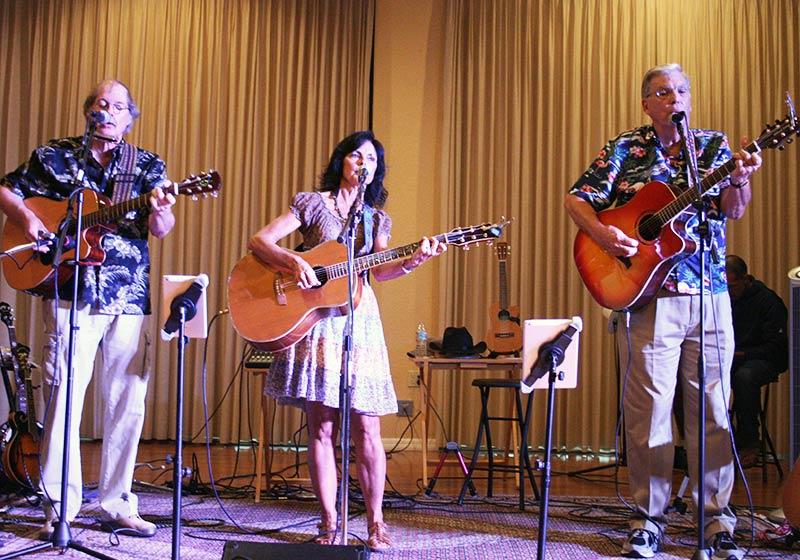 Peace River Trio, Nino's @NIGHT