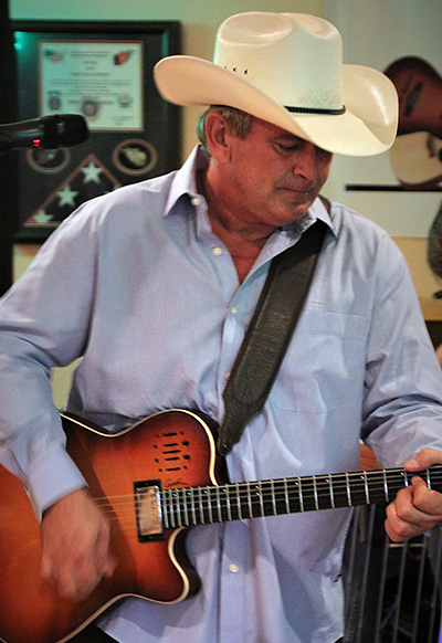Howie's Ol' Back Porch With Nashville Recording Artist, Johnny Lee Howard